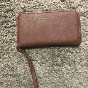 Adrienne Vittadini wallet with cellphone charging